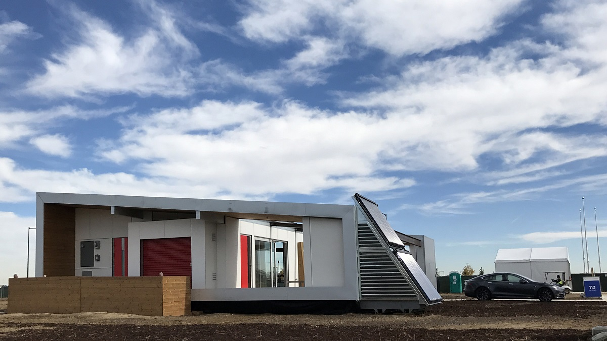 Exterior of the University of Las Vegas, Nevada's Sinatra Living competition house for the U.S. Department of Energy Solar Decathlon 2017.